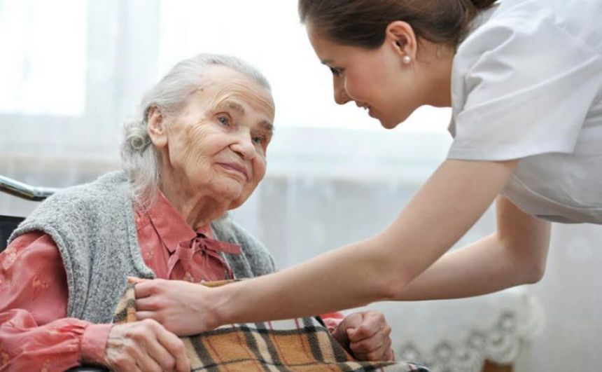 Assistência Social abre inscrições para curso ′Cuidados com idosos em domicílio′