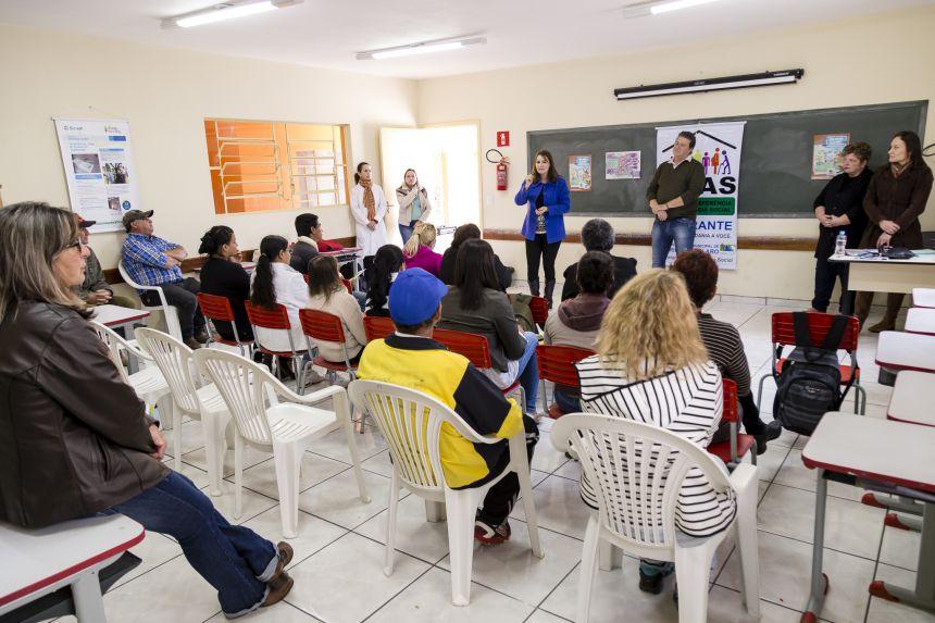 ′Cras Itinerante′ leva programas da prefeitura ao bairro rural Três Corações