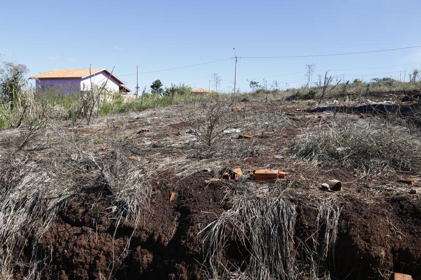 Prefeitura intensifica fiscalização sobre limpeza de terrenos