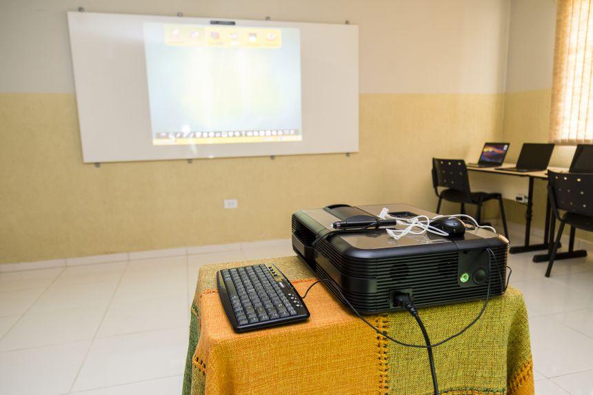 Inaugurada Sala Digital da Escola Ana Pinheiro