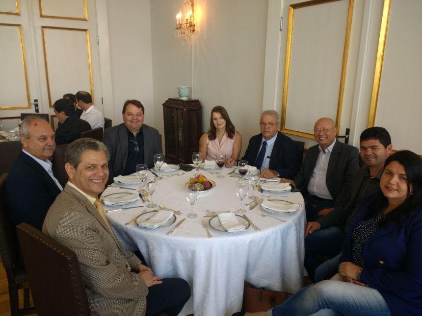 Prefeito participa de almoço no Palácio Iguaçu