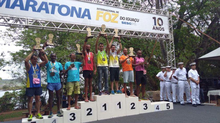 Carlos Beltramo vence Maratona Internacional de Foz do Iguaçu