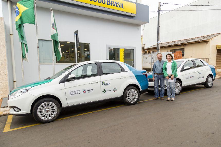 Saúde de Ribeirão Claro recebe dois carros para transporte de pacientes