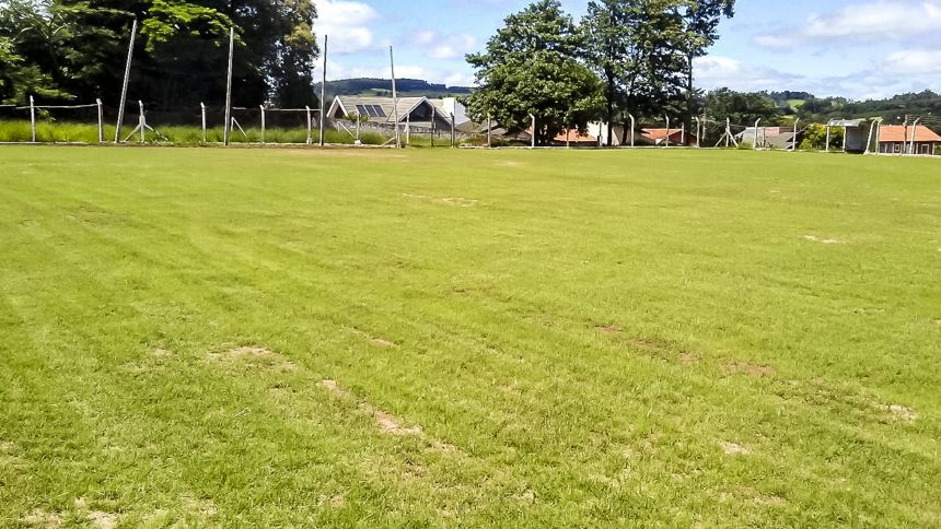 Gramado do Estádio Municipal Pérola do Norte cada vez mais lindo!