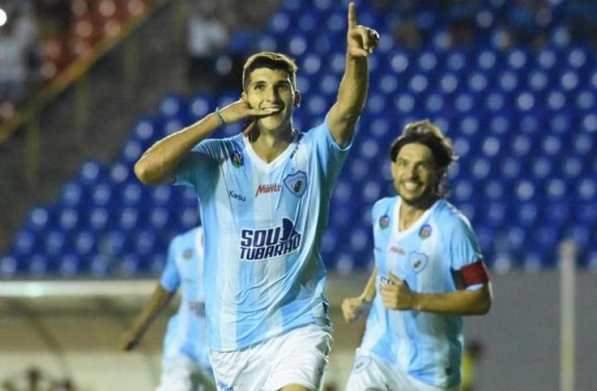Matheus Bianqui marca gol da vitória do Londrina