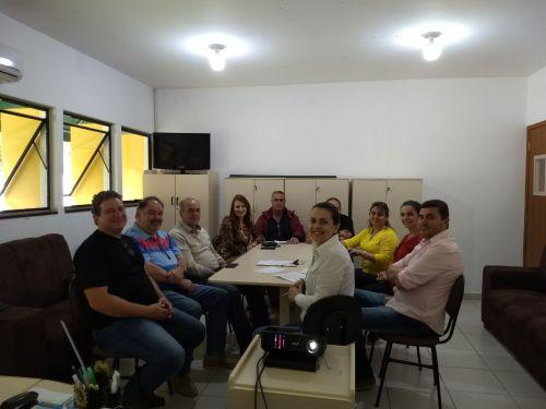 Comitê Gestor do Programa Família Paranaense participa de reunião técnica