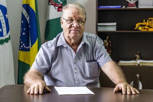 Prefeitura de Ribeirão Claro comprará novo caminhão para reforçar a coleta de lixo