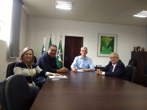 Prefeito se reúne com secretário de Agricultura e Abastecimento