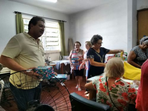 GRUPO DE MULHERES DO CRAS COMEMORAM A PASCOA