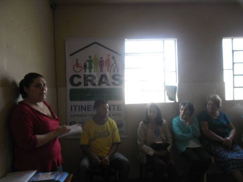 Cras Itinerante realiza ação com os moradores do bairro São Roque