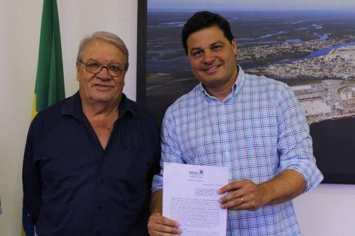 Mario assina convênio para recape da estrada para cachoeira e protocola projeto para pavimentação da estrada até a Pedra do Índio