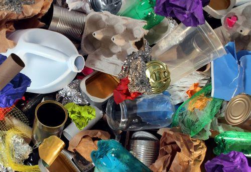 Aviso sobre lixo dos estabelecimentos comerciais