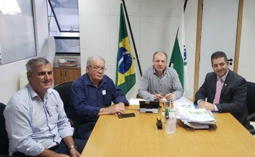 Mario assina convênio de R$ 350 mil para aquisição de caminhão traçado
