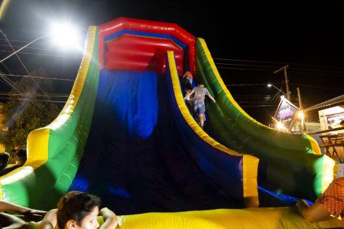 Papai Noel chega a Ribeirão Claro e faz a alegria de milhares de crianças