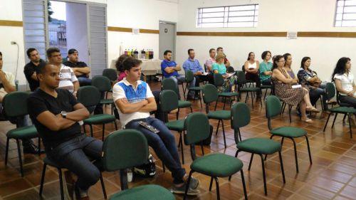 SENAI REALIZA REUNIÃO PARA ESCLARECIMENTOS SOBRE O PROGRAMA JOVEM APRENDIZ