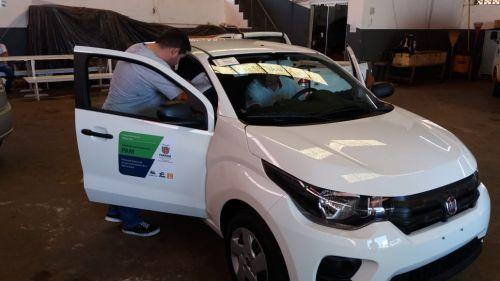 Prefeitura de Ribeirão Claro recebe novo veículo