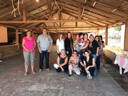 Moradores do bairro rural Água da Mula recebem programa Cras Itinerante