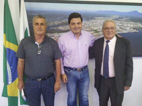 Secretário de Infraestrutura e Logística liberará verbas para obras em Ribeirão Claro