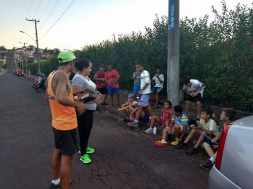Projeto Correndo pela Vida leva atletismo para crianças e adolescentes