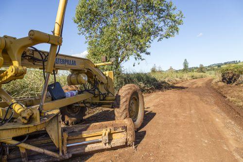 Prefeitura de Ribeirão Claro inicia nova fase de recuperação de estradas rurais