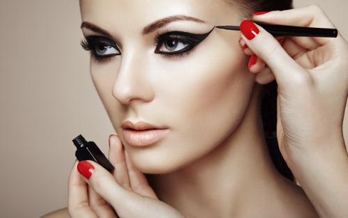 Abertas as inscrições para curso de maquiador