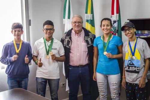 Atletismo ganha 9 medalhas nos Jogos Escolares do Paraná