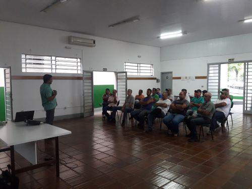 Servidores de Ribeirão Claro recebem curso de direção defensiva