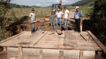 Constru��o de Ponte - Estrada P� da Serra
