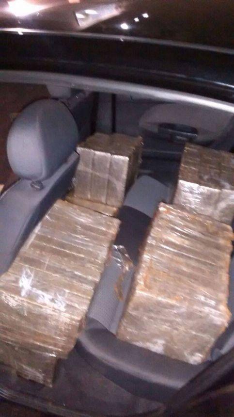 POLICIA MILITAR DE IGUARAÇU APREENDE 400 KG DE MACONHA EM AÇÃO POLICIAL