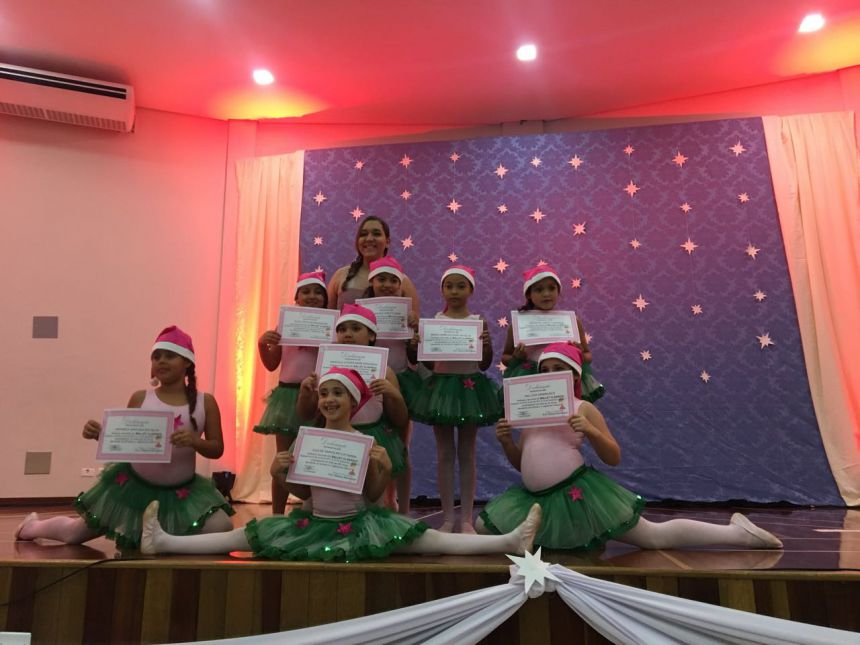 Secretaria Municipal de Cultura e Turismo realiza entrega de certificado para crianças Iguaraçuense