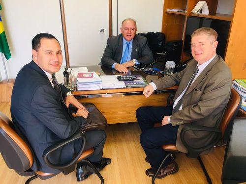 Prefeito Nelinho encontrou com o Deputado Federal José Carlos Schiavinato em Brasilia