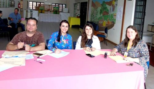 Departamento de vigilância sanitária realizou capacitação para os manipuladores de alimentos de Iguaraçu