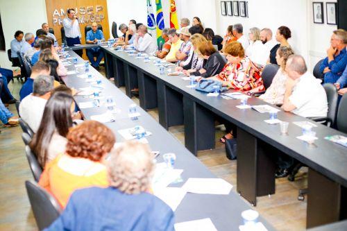 Prefeito Nelinho participou de reunião na Amusep para debater à Municipalização do licenciamento ambiental.