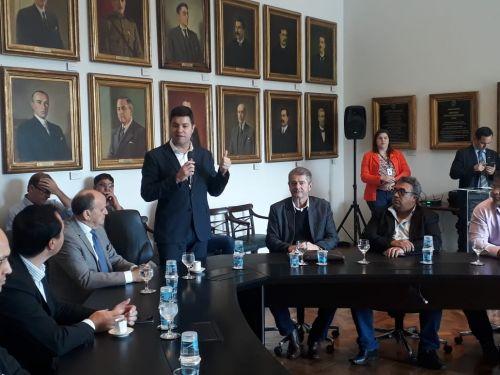 Prefeito Nelinho Participa de Liberação de convênios para Iguaraçu.