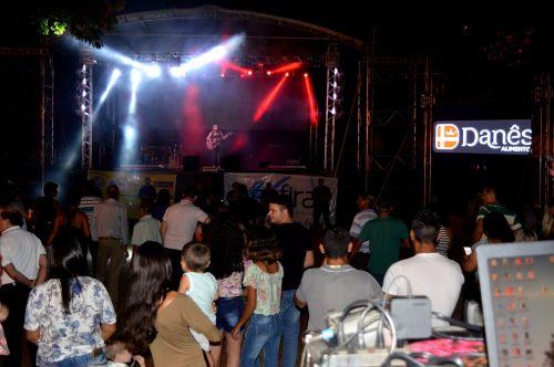 Michele Santos Abriu as comemorações dos 64 anos de Iguaraçu