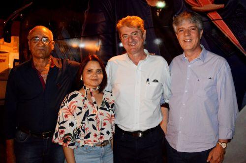Prefeito Agradece a presença das autoridades que estiveram presentes na abertura da festa de 64 anos de Iguaraçu.