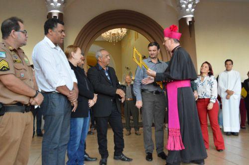BISPO DOM CARLOS VISITOU IGUARAÇU E DEU UMA BENÇÃO NAS CRUZES DA ENTRADA DA CIDADE