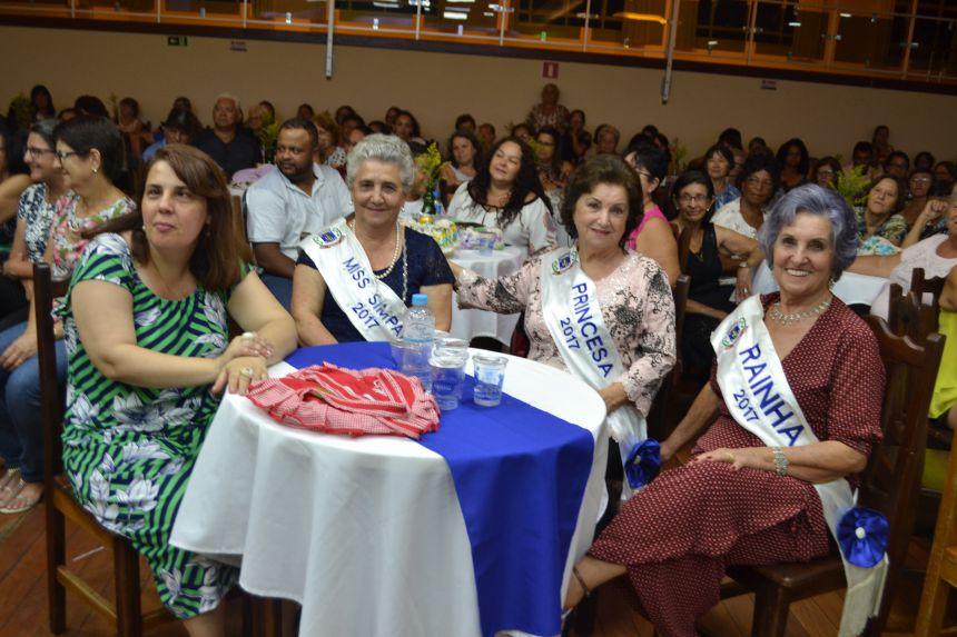 Concurso elege a Rainha da Melhor Idade no Clube dos Trinta