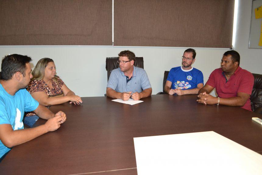 Prefeito de Marialva-PR convoca reunião de emergência após atentado em Suzano-SP