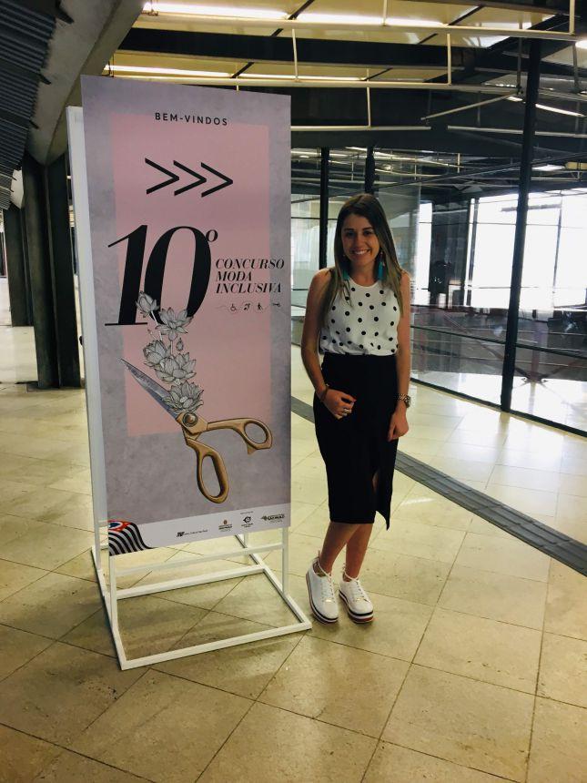 Estilista marialvense Karla Carraro durante o Concurso de Moda Inclusiva, em SP
