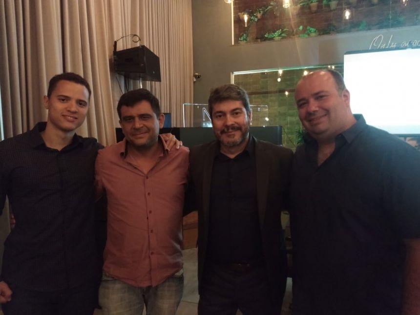 O executivo de vendas da Algar Telecom, Magno Vasconcelos, foi o anfitrião da nossa equipe