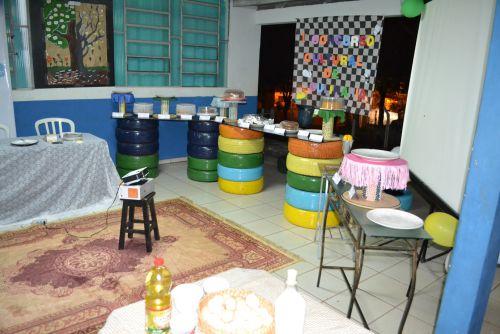 Decoração do espaço durante o primeiro Concurso Cultural de Culinária do grupo Ação Jovem