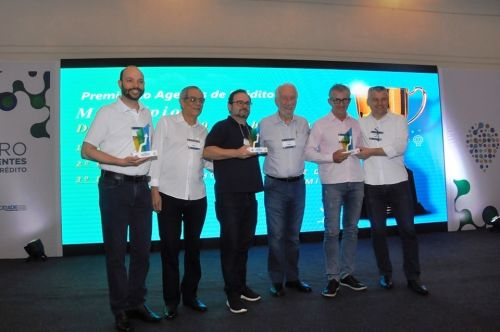 Marialva recebe prêmios da Fomento Paraná em Encontro Estadual