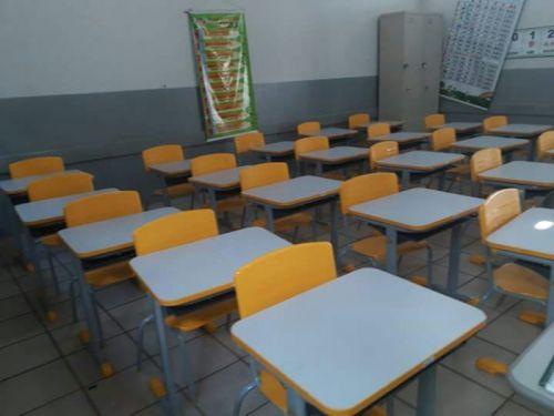 Prefeitura está renovando mobiliário escolar