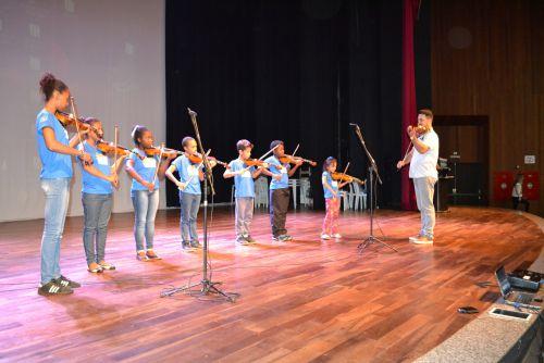 PROARTE faz apresentação de violino