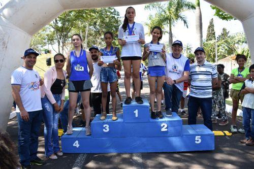 Pódio feminino da categoria Mirim (de 11 a 12 anos)