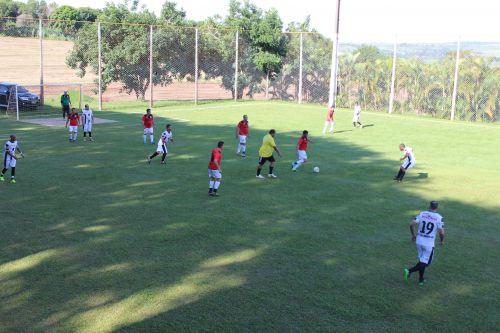 Veteranos disputam as finais do Campeonato de Futebol Suíço Municipal