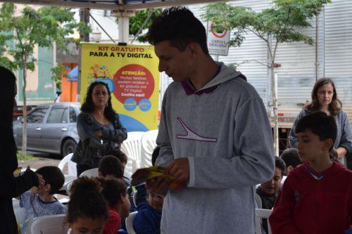 Panfletagem do Seja Digital durante o evento