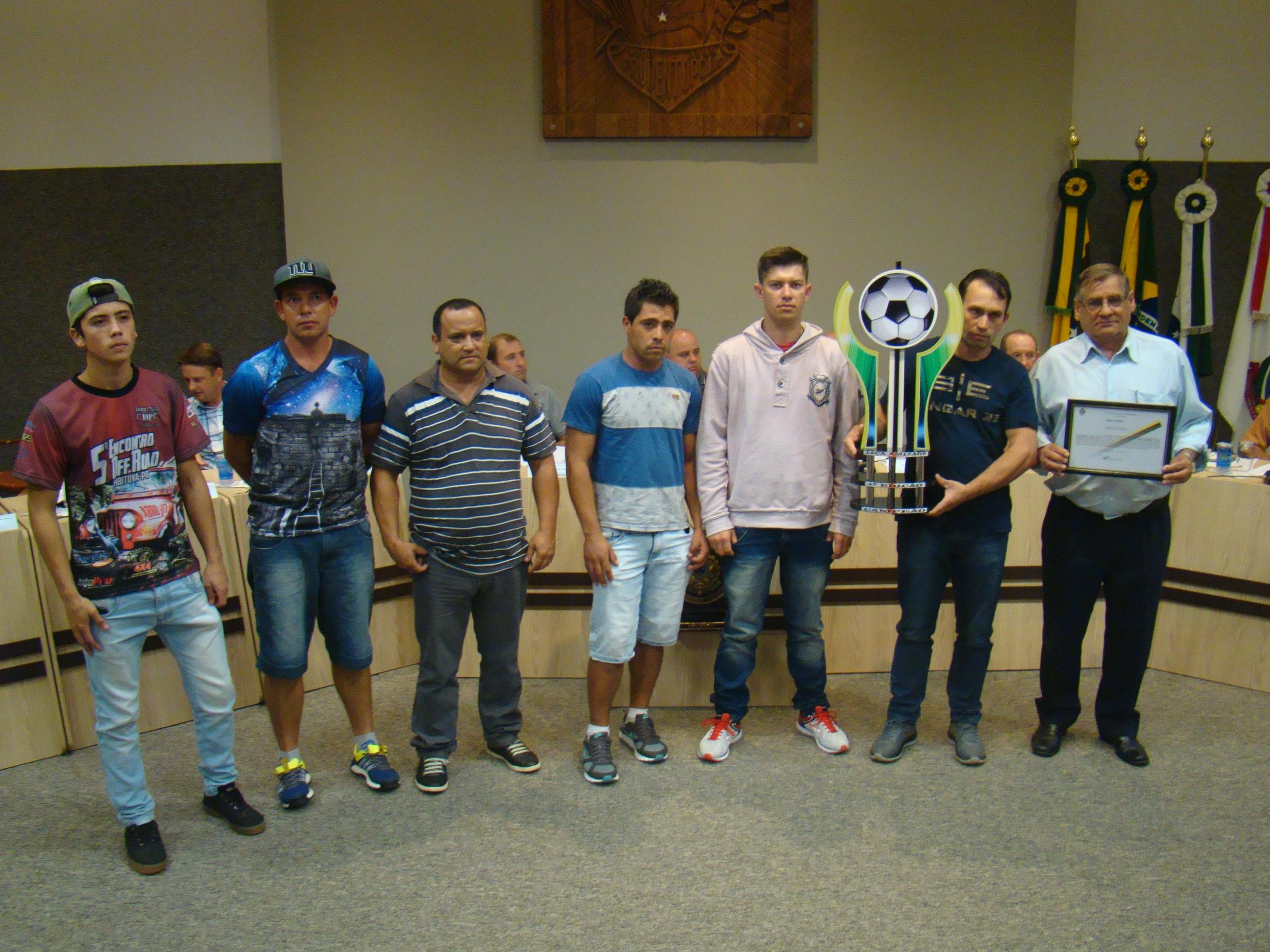 Equipe da Vila Santana foi homenageada pela conquistas