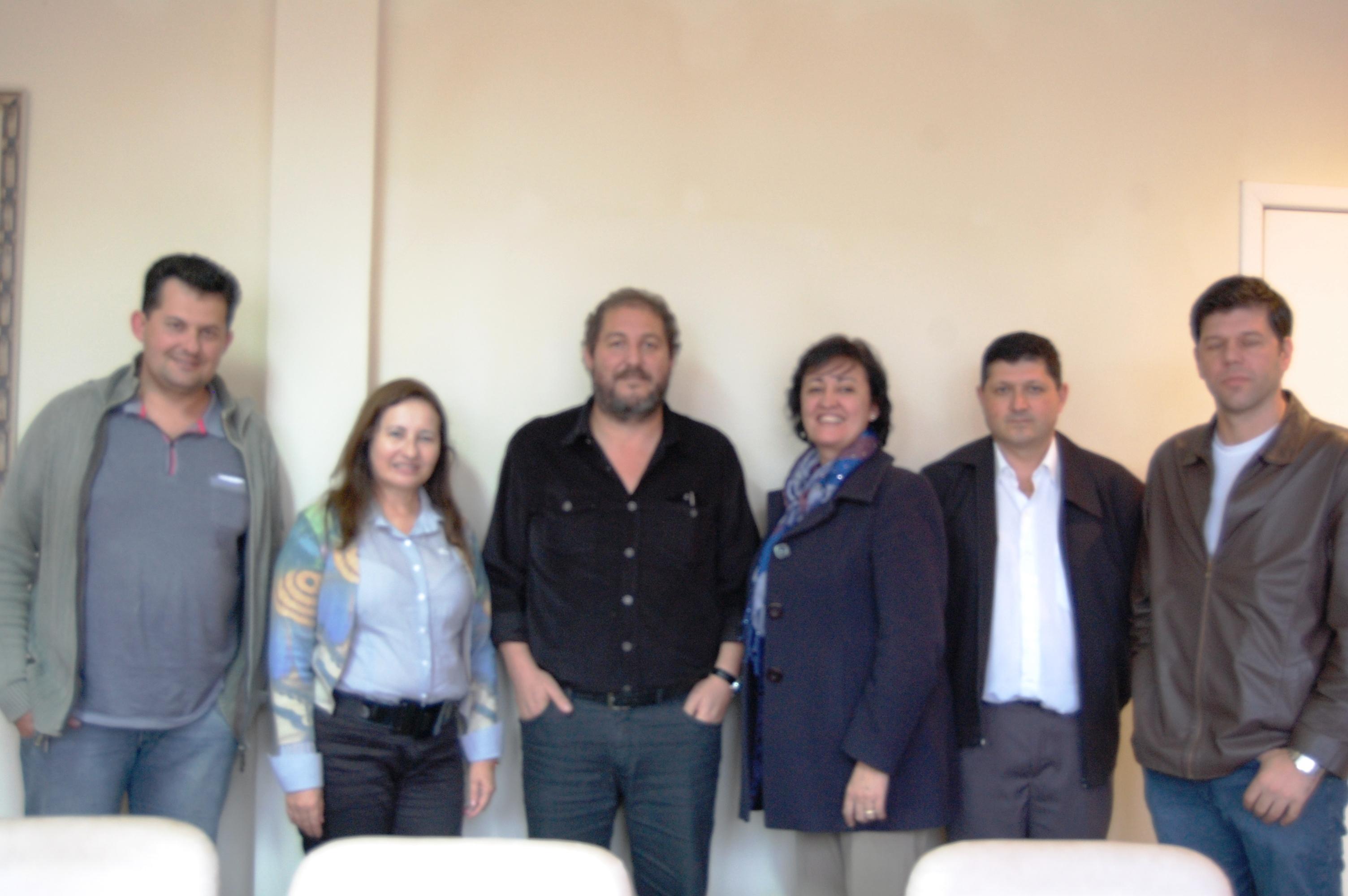 Prefeito, Vereadores e representantes do INSS presentes ao encontro que discutiu a volta das per�cias m�dicas na ag�ncia local.